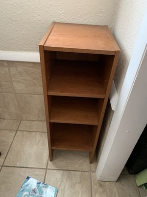 Small book shelf for Sale in Virginia Beach, VA