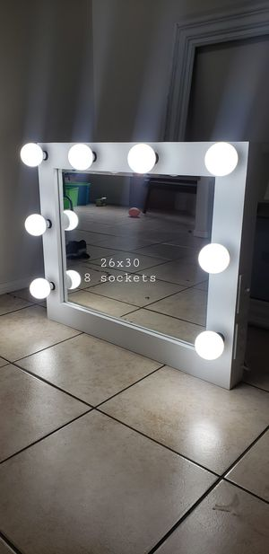 Different Sizes & Prices!Full Body and Desk Makeup Vanity Mirrors for Sale in Moreno Valley, CA