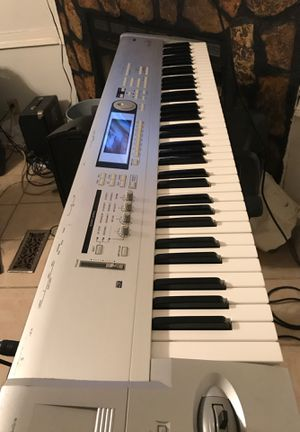 Piano Korg en buenas condiciones for Sale in Grand Rapids, MI