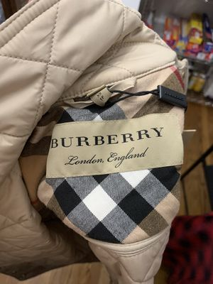 BRAND NEW WOMENS SIZE XS BURBERRY JACKET! 100% AUTHENTIC! for Sale in Philadelphia, PA