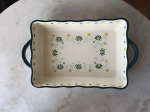 Opalhouse 9in x 13in Stoneware Dish with Scallop Edges for Sale in Los Angeles, CA