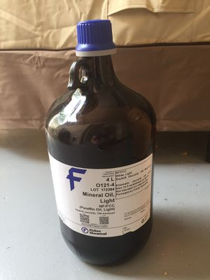 1 gallon Jugs of High Quality Mineral Oil for Sale in Tempe, AZ