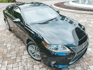 Lexus ES 350 2014 Clean title! Low mileage! for Sale in Boca Raton, FL