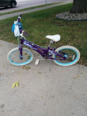 20 inch girls bike for Sale in Sioux Falls, SD