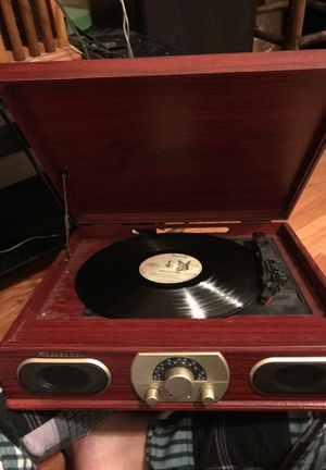 Studebaker turntable record player with amp for Sale in Raleigh, NC