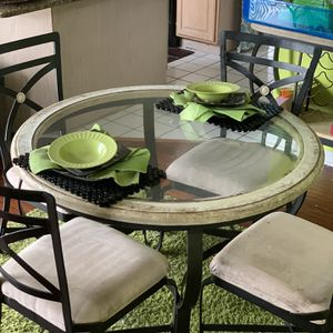 Breakfast Nook Table And Chairs for Sale in Orlando, FL