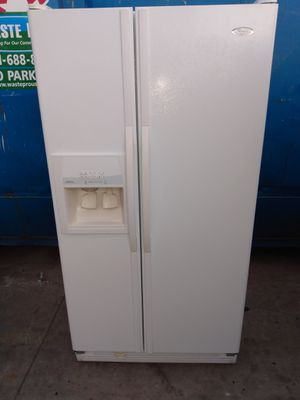 BEAUTIFUL SIDE BY SIDE REFRIGERATOR PRICE FIRM for Sale in Riviera Beach, FL