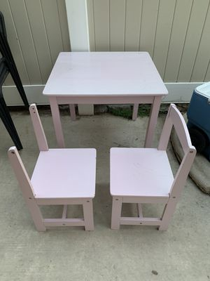 Pink kid table for Sale in Menifee, CA