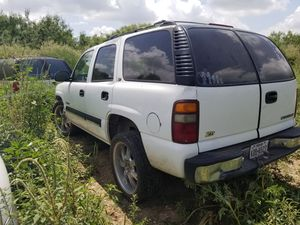 2002 tahoe parts 4x4 chevy engine suburban for Sale in San Antonio, TX