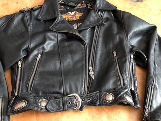 """Women's Size L Vintage Black Leather """"HARLEY DAVIDSON"""" Motorcycle Jacket W/ Silver Conches for Sale in Sacramento,  CA"""