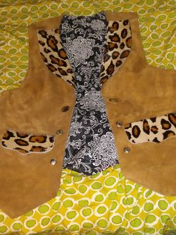 Leather Women's Vest With Leopard Fur And Skin for Sale in Oklahoma City,  OK