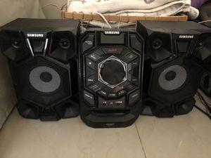 Home stereo system for Sale in Hollywood, FL