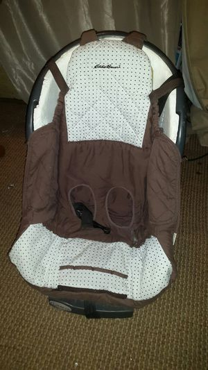 Car seat with EDDIE BAUER seat cover VERY CLEAN for Sale in Milton, FL