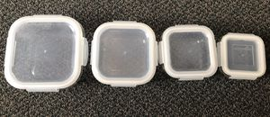 Set of 4 like-new Pyrex glass food storage containers for Sale in San Francisco, CA