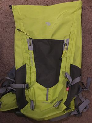 Mountain Hardware Dry bag with bladder NEW for Sale in Bakersfield, CA