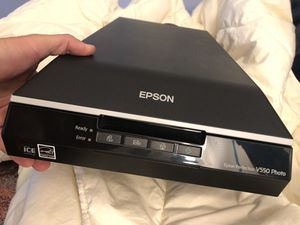 EPSON V550 professional photo scanner - LIKE NEW for Sale in San Luis Obispo, CA