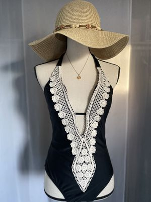 WOMENS CLOTHES AND SWIMSUITS for Sale in South Gate, CA