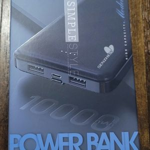 Brand New 10000 mAh Power Bank... Nuevo Bateria Portatil de 10000 mAh for Sale in Los Angeles, CA