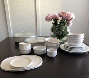 Corningware / Set of 8 / plates (4) / bowls (3) for Sale in Torrance, CA