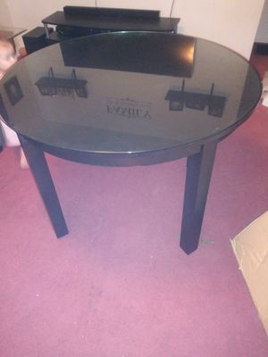 Mahogany Round Table Glass Top for Sale in Columbus, OH