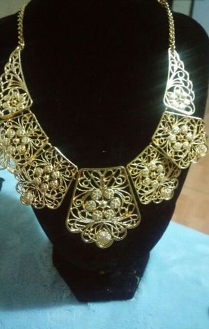 Elegant Necklace for Sale in West Palm Beach, FL
