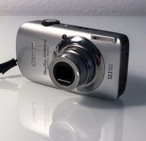 Canon Powershot SD960 IS Digital Camera - EXCELLENT CONDITION for Sale in Los Angeles, CA
