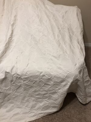 White coverlets twin and full beds for Sale in Winter Haven, FL