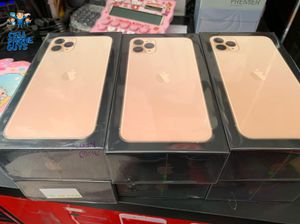 iPhone 11 pro for Sale in Chicago, IL