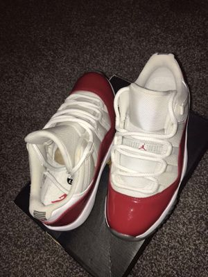 Jordan cherry 11s low size:8.5 for Sale in Salt Lake City, UT