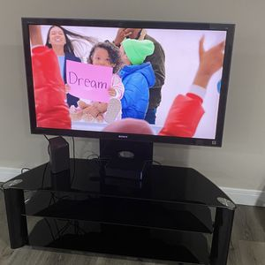 Sony Bravia 52 Inch Tv Great Condition for Sale in West Bloomfield Township, MI