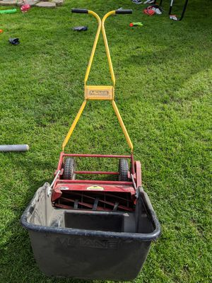 McLane Manual Lawn Mower for Sale in San Diego, CA
