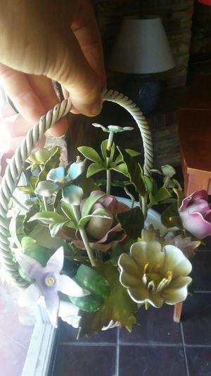 Metal flower basket for Sale in Yuma, AZ
