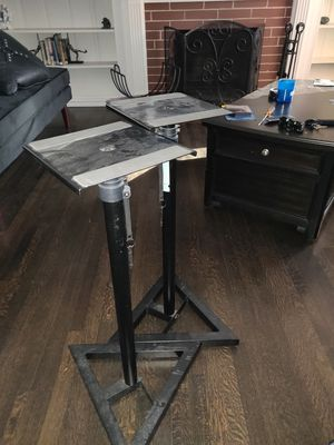 Seismic audio speaker stand set for Sale in Los Angeles, CA