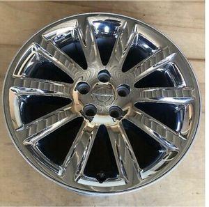 Chrysler 300 2011 2012 2013 2014 OEM wheel rim 18x7.5 Chrome for Sale in Compton, CA