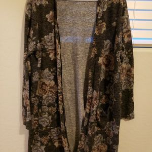 Women's Absolutely Famous Cardigan, XL for Sale in Surprise, AZ