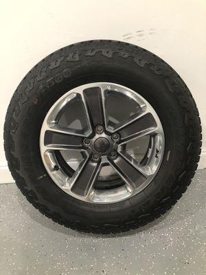 Jeep Wrangler (Sahara) New Wheels & Tires (5) for Sale in Delray Beach, FL