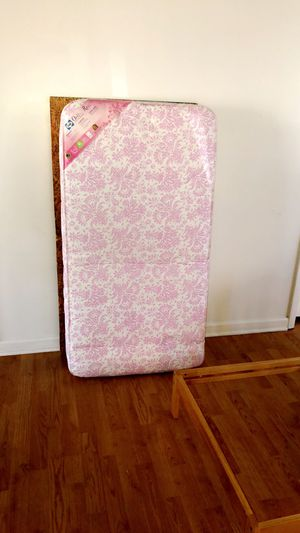 Toddler bed , mattress and bedding for Sale in Apopka, FL