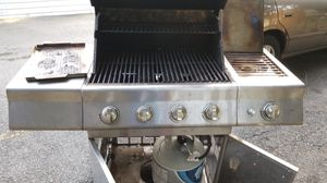 Grill BBQ MASTER FORGE for Sale in Gaithersburg, MD