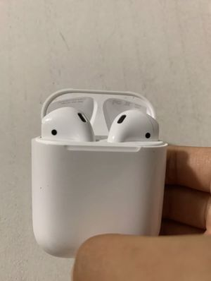 Apple airpods for Sale in Villamont, VA