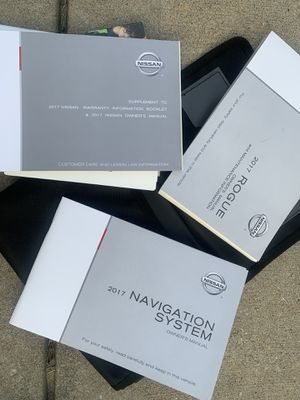 Nissan Rogue handbook for Sale in Lee's Summit, MO