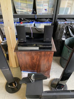 Surround Sound DVD player and TV for Sale in Port Orchard, WA