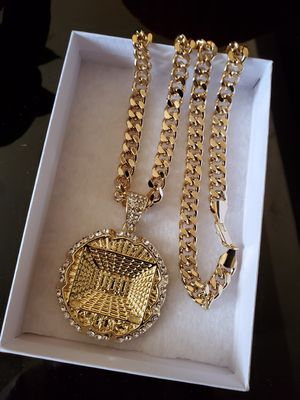24 inch 14K Gold plated Cuban Chain and pendant for Sale in Los Angeles, CA