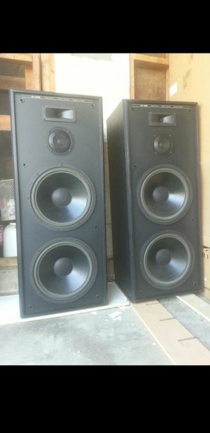 """SPEAKERS MTX 4 12"""" VERY LOUD 4 FEET TALL BOX SOUNDS VERY CLEAR INCLUDE 2 GRILLS MODEL MTX AAL 2230B (((1200 WATTS))) $175 EACH ((((MUCHO BASS)))) for Sale in Moreno Valley, CA"""