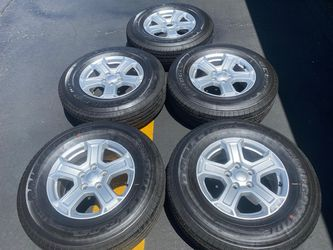 "(5) 17"" Jeep JL Takeoffs + 245/75R17 Bridgestone Dueler H/T - $525 for Sale in Santa Ana,  CA"