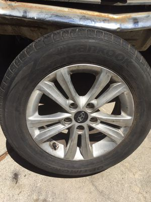 2012 Hyndai Sonata Rim and semi new tire ( perfect for spare ) for Sale in Los Angeles, CA