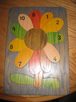 Easy Pieces Counting Flower Wooden Puzzle for Sale in Traverse City,  MI