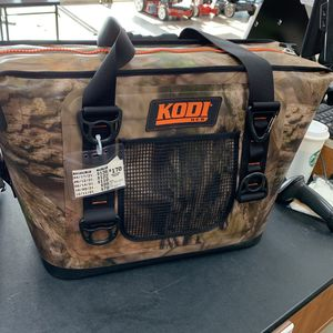 HEB Kodi Softside Cooler for Sale in San Antonio, TX