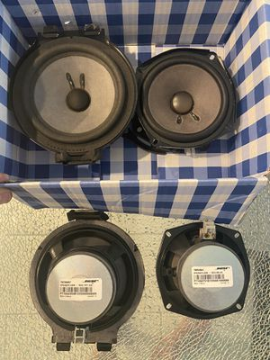 """Bose factory speakers. (2) 6.5"""" (2) 5.25"""" Good for GM 2004-2007 for Sale in Orlando, FL"""