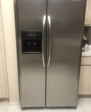 Frigidaire Refrigerator Side by Side Ice Maker Stainless Steel 69 Height x36 wide x 32 depth. for Sale in Chino Hills, CA