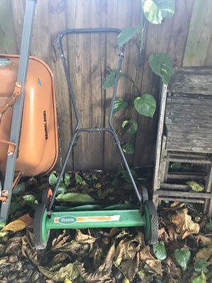 Scotts Classic 20 in. Manual Walk Behind Push Reel Lawn Mower for Sale in Miami, FL